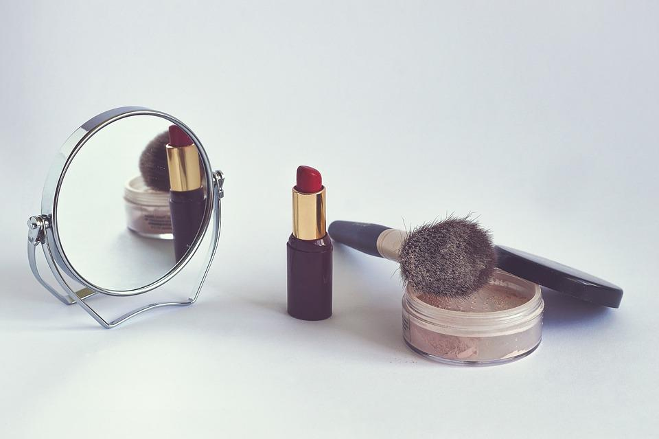 cosmetics-1543276_960_720.jpg