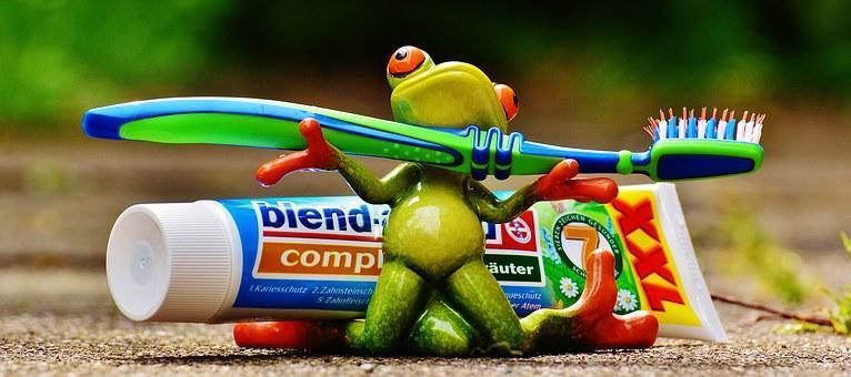 toothpaste-1446127__340.jpg
